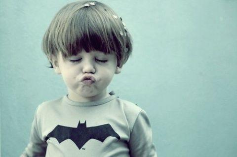 子供のチック症の症状・原因・治療法について